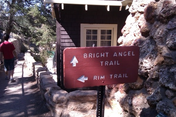 Empezamos el Bright Angel Trail