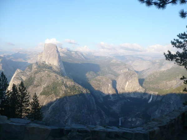 Vistas de la ruta Mis Trail desde Glacier Point