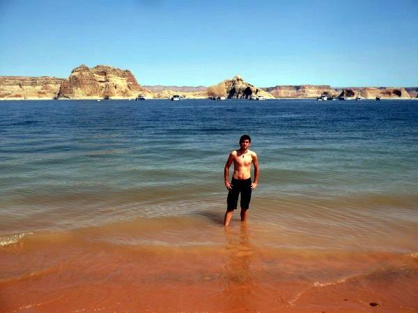 Bañándome en el Lago Powell