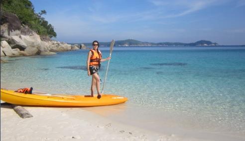 Nuestra kayak y las aguas cristalinas