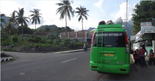 Esperando a que saliera el bus
