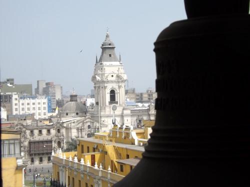 Catedral de Lima desde la Torre de Santo Domingo