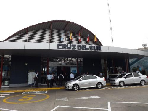 Estación de autobuses Cruz del Sur, Javier Prado