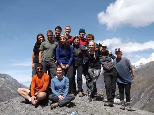Foto de grupo desde la laguna Taullicocha