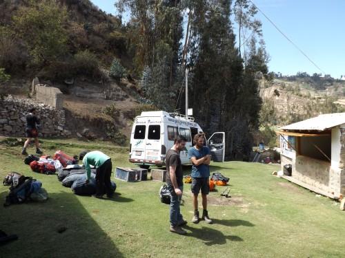 Organizando la partida del trekking