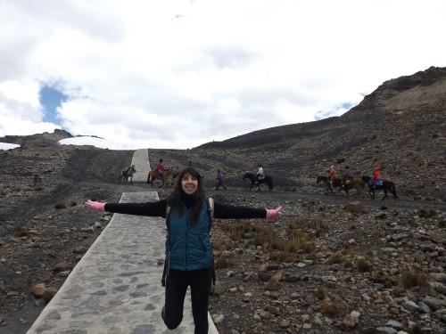 De camino al Glaciar Pastoruri por la senda peatonal
