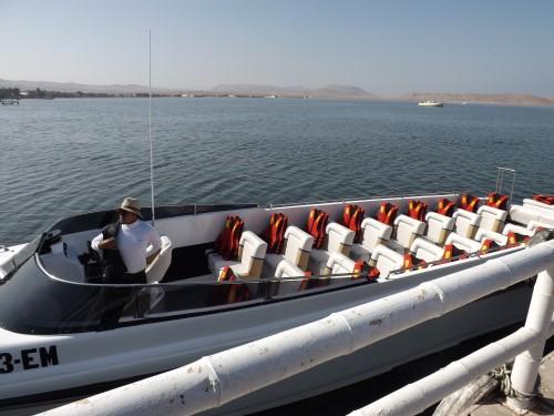 Nuestro bote hacia las Islas Ballestas