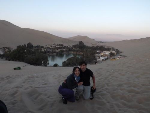 Se hace de noche en el Oasis de Huacachina