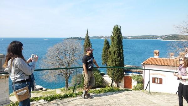 Disfrutando de las vistas al lado de la Basílica