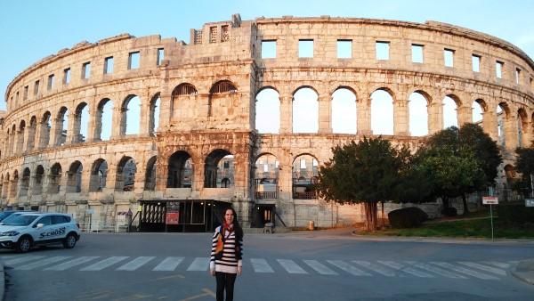 Visitando el anfiteatro de Pula