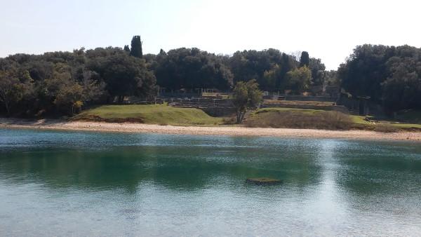 Ruinas romanas vistas desde el tren
