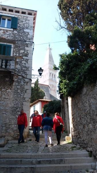 Subiendo hasta la Basílica de Santa Eufemia