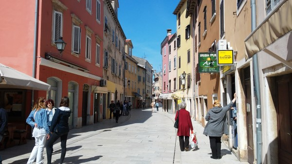 Calle Ulica Carera, calle de souvenirs