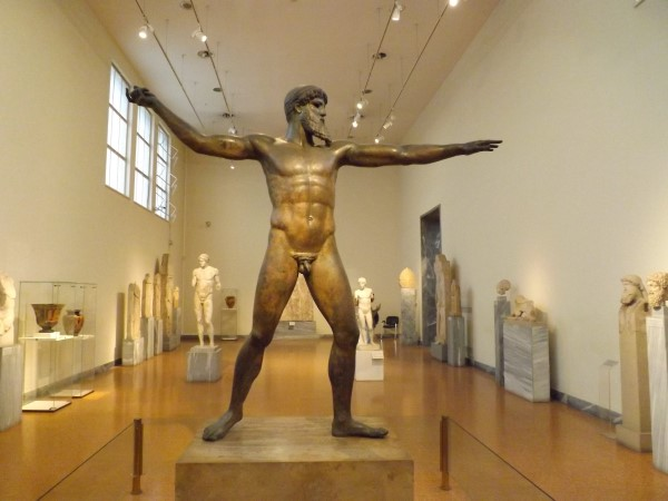 Estatua de bronce de Poseidon