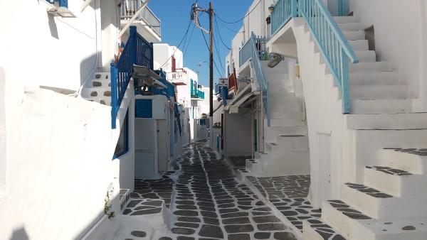 Típica calle de Mykonos