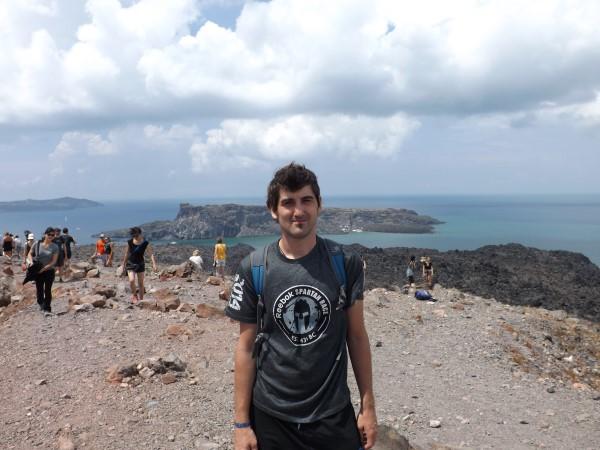 Desde la cima del Nea Kameni. Al fondo la isla de Palea Kameni, donde están las aguas termales