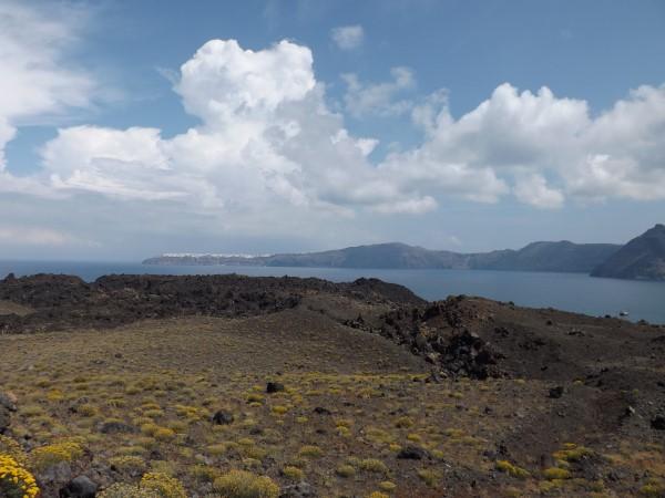Vistas de Oia, desde la isla Nea Kameni