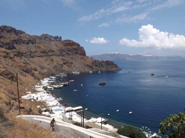 Vistas del puerto Therassia subiendo hacia Manolas