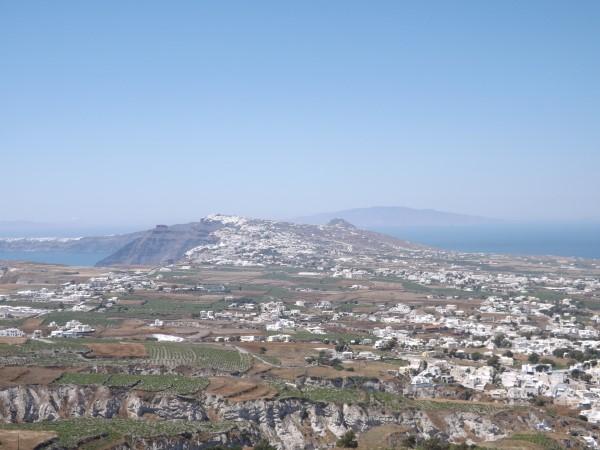 Vistas de Santorini desde lo alto de la colina de Pyrgos