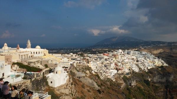Thira y vistas de la isla de Santorini